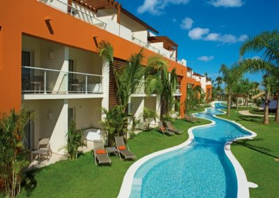 breathless-punta-cana_EXT_SwimoutSuites_Panoramic_1