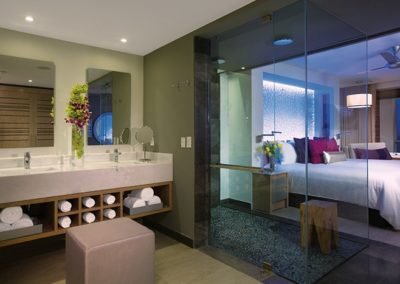 breathless-riviera-cancun_js_bathroom_1a