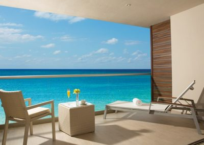 breathless-riviera-cancun_js_terrace_2