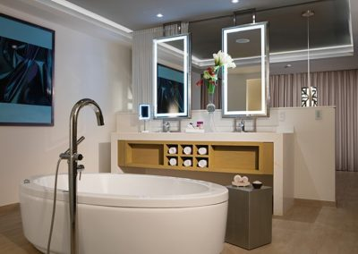 breathless-riviera-cancun_presidentialst_bathroom2_1a