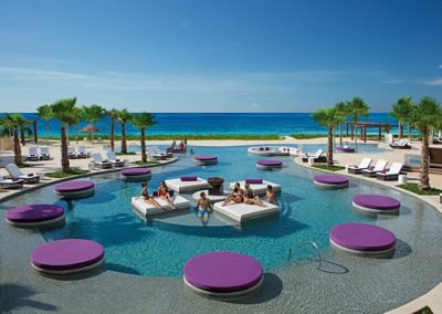 breathless-riviera-cancun_xhale_club_pool_4