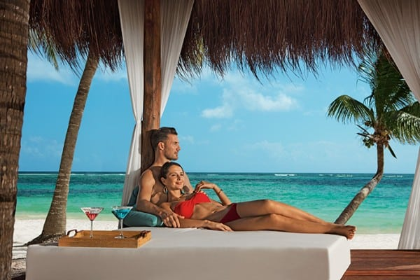 secrets-akumal-deal_ext_cpl_balinese_daybed_2a