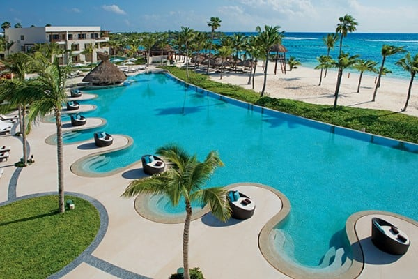 secrets-akumal-deal_ext_oceanfront_pool_1a