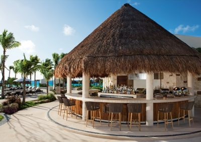 secrets-akumal-deal_res_barefootgrill_2a